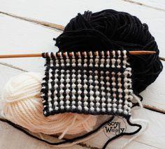 Punto en dos colores: esponjoso, abrigador, con textura, ideal para tejer mantas y ropa de niños en #dosagujas #videotutorial #soywoolly #puntosnuevos #puntosbicolor #puntosfaciles #tejerencolores #puntadasdosagujas #tricot #calceta #puntos #diy #tejermola #tejeresunplacer Knitting Stitches, Knitting Patterns, Owl Hat, Kite, Chanel Boy Bag, Crochet, Fiber Art, Weaving, Textiles
