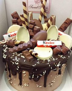 Love cakes? Forget about your boring old chocolate cake; we have awesome ideas for birthday cakes for grown ups here!
