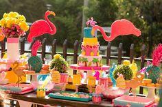 festa-tropical-infantil-tema-jardim-dos-flamingos