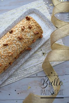 Recette Bûche de Noël Cacahuètes-Caramel-Vanille New Years Party, Food And Drink, Rolls, Bread, Cooking, Recipes, Insert, Biscuits, Thermomix