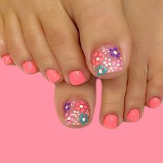Looking for new and creative toe nail designs? Let your pedi always look perfect. We have a collection of wonderful designs for your toe nails that will be appropriate for any occasion. Be ready to explore the beauty and endless creativity of nail art! Pretty Toe Nails, Cute Toe Nails, Diy Nails, Gel Toe Nails, Coral Toe Nails, Toe Nail Polish, Flower Toe Nails, Acrylic Nails, Gel Toes