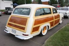 This Award-Winning 1949 Ford Woodie Wagon Is Homebuilt and Ford Powered!