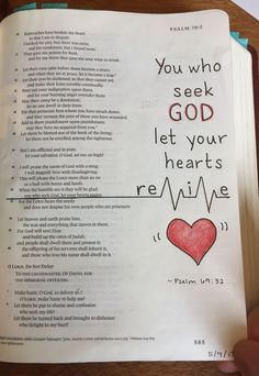 Bible Journaling-Psalm pen and colored pencil Bible Journaling-Psalm und Buntstift Source by . Bible Drawing, Bible Doodling, Bible Study Notebook, Bible Study Journal, Psalm 68, Bible Verses Quotes, Bible Scriptures, Psalms Quotes, You Are My Superhero
