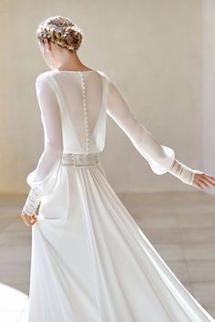 With bateau neckline, closed back and long sleeves. With guipure lace detail on the cuffs and waist and detachable train. Wedding Dress Pictures, Stunning Wedding Dresses, Wedding Dress Trends, Long Sleeve Wedding, Modest Wedding Dresses, Lace Wedding Dress, Luxury Wedding Dress, Bridal Dresses, Wedding Gowns
