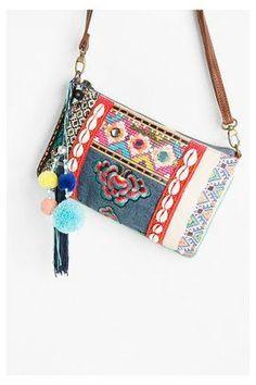 http://www.desigual.com/es_ES/moda-mujer/accesorios/bolsos/page/6...