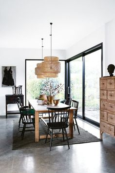 If you are looking for Mid Century Dining Room Design Ideas, You come to the right place. Below are the Mid Century Dining Room Design Ideas. Ikea Dining Room, Dining Room Design, Kitchen Dining, Dining Tables, Black Dining Chairs, Living Room Decor Ikea, Dining Sets, Lounge Chairs, Kitchen Decor