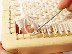 Tear de Pregos: Passo a passo tear quadrado/ step by step square loom nail                                                                                                                                                      Mais                                                                                                                                                                                 Mais