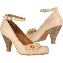 Naya Valeska Shoes (Natural Wonder Leath) - Women's Shoes - heel strap flower cream
