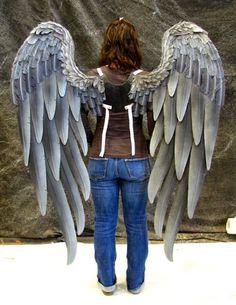 Danielle Херли дизайн TruWings Hawk Девочка Wings