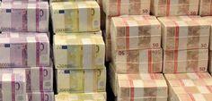 Gebündelte Euro-Scheine: Sorge vor einem Währungskrieg