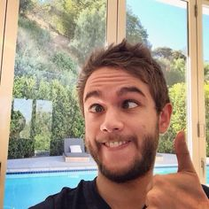 this is quite simply the Zedd face