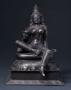 Northern Indian bronze sculpture of the goddess Tara sitting on a lotus in a meditative position. Tara represents the female aspect of bodhisattva Avalokiteshvara. Goddess Art, Durga Goddess, Bronze Sculpture, Sculpture Art, Hindu Statues, Shiva Statue, Shiva Art, India Art, Hindu Deities