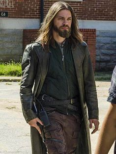This trench coat inspired by Walking Dead character Paul Jesus Monroe. Get this screen accurate The Walking Dead Tom Payne Leather Coat at JacketsJunction. Walking Dead Characters, Walking Dead Series, Tom Payne Actor, Paul Jesus Monroe, Jesus The Walking Dead, Geek Girls, Daryl Dixon, Shirt Style, Hot Guys