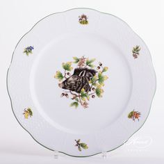 Dinner Plate – Hunter Trophies | Herend Experts Dinnerware Ideas, Wild Boar, Dinner Sets, Forest Animals, Serving Plates, Animal Design, Fine China, Dinner Plates, Buffet