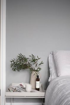 Scandinavian minimalism and French chic with functionality - New Room - Decor Interior Inspiration, Room Inspiration, Design Scandinavian, Scandinavian Style Bedroom, Swedish Interior Design, Grey Bedroom With Pop Of Color, Grey Room, Decoration Bedroom, Wall Decor