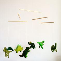 Dinosaurussen mobiel voor Theo. #dino #mobiel #handmade