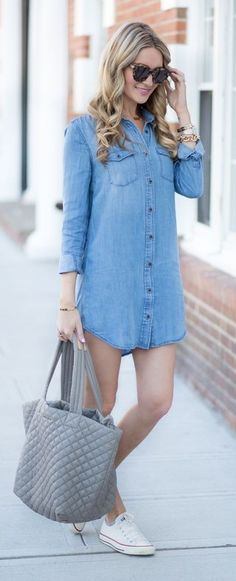 Chambray Shirt Dress, Gray Tote, White Sneakers |Blonde Expeditions