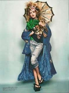 Modern-Day Geishas : Vanidad Spain May 2011