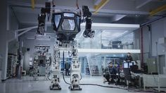 VIDEO: Desarrollan un gigantesco robot andador tripulado en Corea del Sur - RT