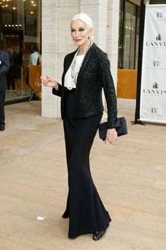The Best Fashion Ideas For Women Over 60 - Fashion Trends Carmen Dell'orefice, Older Women Fashion, Fashion Tips For Women, Womens Fashion, Cheap Fashion, Outfits Blanco, 50 Y Fabuloso, Over 60 Fashion, Advanced Style