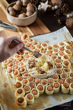 Party Snacks, Appetizers For Party, Camembert Roti, Batch Cooking, Diy Food, I Love Food, Holiday Recipes, Food Porn, Food And Drink