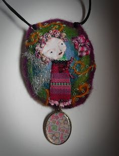 This butterfly fairy ist speaking with a butterfly in her flower garden. Art Textile, Textile Jewelry, Fabric Jewelry, Textile Artists, Jewelry Art, Jewellery, Fabric Beads, Fabric Art, Fabric Scraps
