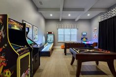 Basketball room, game room kids, teen game rooms, garage game rooms, game r Teen Game Rooms, Small Game Rooms, Game Room Kids, Video Game Rooms, Man Cave Game Room Ideas, Man Cave Video Game Room, Game Room Bar, Video Games, Garage Game Rooms