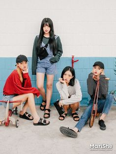 Korean Fashion Similar Look Pin by Aki Warinda Korean Fashion Trends, Korea Fashion, Asian Fashion, Look Fashion, Girl Fashion, Fashion Outfits, Ulzzang Fashion, Ulzzang Girl, Jugend Mode Outfits