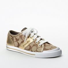 """want a pair of coach sneakers so bad.need some cute """"every day"""" shoes Coach Tennis Shoes, Coach Sneakers, Coach Shoes, Basketball Shoes, Shoes Sneakers, Zapatos Louis Vuitton, Louis Vuitton Shoes, Coach Handbags, Coach Purses"""