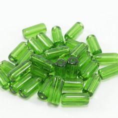 30 perles tube en verre vert  10 x 4mm