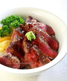 国産牛ヒレ肉のステーキ丼