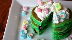 Here is a delicious and festive way to start your St. Patrick's Day! Mary would love this!!!