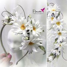1 million+ Stunning Free Images to Use Anywhere Sugar Flowers, Felt Flowers, Diy Flowers, Fabric Flowers, Paper Flowers, Foam Crafts, Diy And Crafts, Flower Headdress, Magazine Crafts