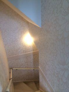 1F〜ロフトに続く階段