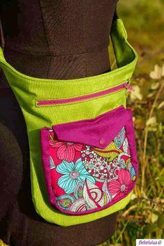 El blog de Bebelulua: Y una riñonera más Dog Treat Bag, Waist Purse, Fabric Purses, Tote Backpack, Hip Bag, Handmade Handbags, Pouch Bag, Small Bags, Bag Making