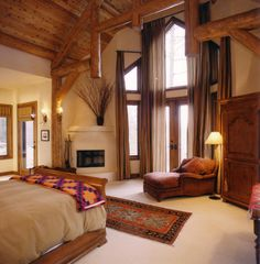 Master Bedroom/Fairway Home by Ciao Dream Bedroom, Home Bedroom, Master Bedroom, Bedroom Corner, Barn Conversion Bedroom, Log Home Decorating, Log Cabin Homes, Log Cabins, Bedroom Windows