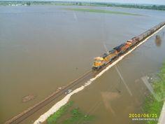 BNSF mesmo na inundação.