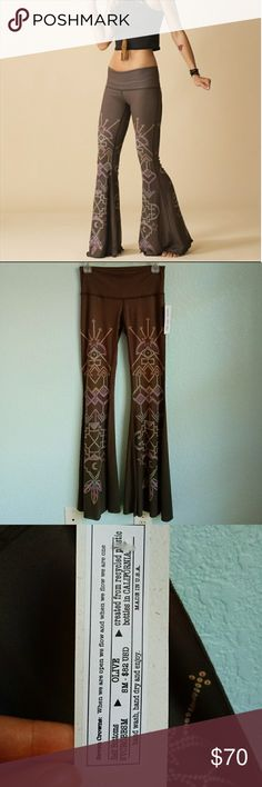 314cc2ee77781 TEEKI | Seven Crown Bellbottoms-NWT Fashion for off the mat! These olive  green