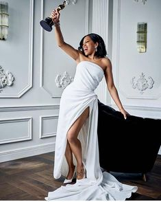 Regina King won the Oscar for Best Supporting Actress for If Beale Street Could Talk! Did you see the movie? Regina King, Regina Hall, Beautiful Black Women, Beautiful People, Beautiful Celebrities, Lab, Bridal Gallery, Black Actresses, Oscar Winners