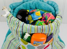Bella-Blvd_Towel-Bag_Tiffany-Hood_detail-4a