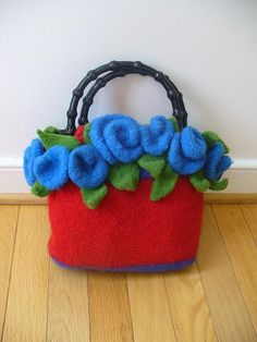 Felted+Clutch+Pattern+by+Pipp's+Patterns+++Free+Bonus+PDF+Hexi+Sewing+Tutorial