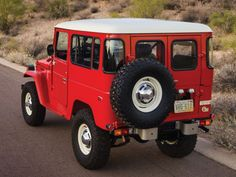 28 Photos Guaranteed To Make You Want A Vintage Toyota Land Cruiser FJ40 - Airows