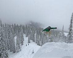 The Best Mountains for Snowboarding!