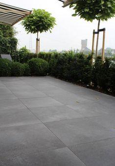 Ceramic garden tiles from the Italian manufacturer Tagina Ceramiche D'arte.