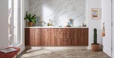 Tendances matières 2020 - Côté Maison Wooden Flooring, Decoration, Credenza, Home Remodeling, Kitchen Remodel, Cabinet, Dining, Storage, House