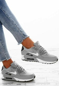 Grey Nike Trainers, Gray Nike Shoes, Nike Air Shoes, Grey Nikes, Nike Shoes Outfits, Cute Nike Shoes, Nike Socks, Men's Outfits, Fashion Outfits