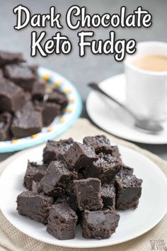 Dark chocolate keto fudge is an easy keto dessert recipe. If you want sweet snacks for keto diet fat intake, these fudge fat bombs are perfect. #ketodesserts #ketochocolate Dark Chocolate Keto, Chocolate Cream Cheese, Chocolate Desserts, Chocolate Fudge, Keto Chocolate Recipe, Brownie Desserts, Low Carb Sweets, Low Carb Desserts, Low Carb Recipes