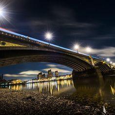#BatterseaBridge after sunset  #london #londonlife #night #nightphotography #light #homesweethome #reflection