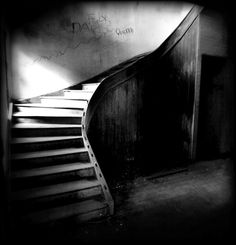 ☾ Midnight Dreams ☽ dreamy & dramatic black and white photography - staircase of night Black And White Stairs, Black And White Pictures, Dark Photography, Black And White Photography, Cool Pictures, Cool Photos, Types Of Stairs, Still Life Photos, Photo Black