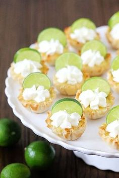 Key Lime Tartlets {Gimme Some Oven}. --> I wonder if the husband would like these, they look delicious, and I don't like key lime or pie or tarts or anything like that! Mini Desserts, Key Lime Desserts, Just Desserts, Dessert Recipes, Dessert Food, Plated Desserts, Breakfast Recipes, Chocolate Fruits, Baking Chocolate
